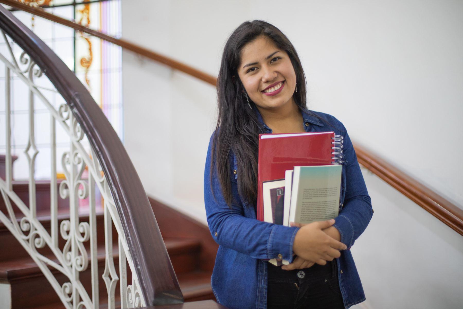 OEA brinda becas de posgrados para profesionales. Foto: Pronabec/Difusión
