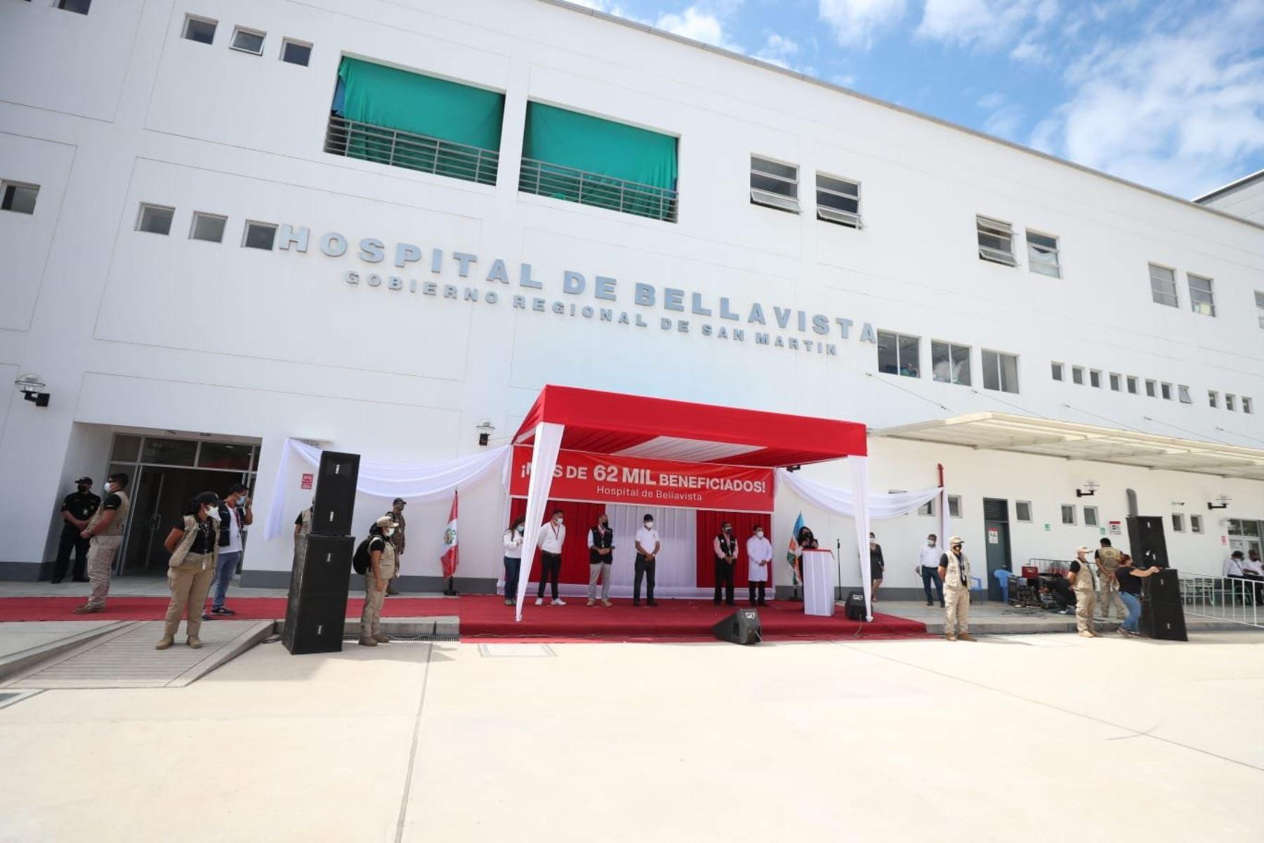 La titular de la PCM, Violeta Bermúdez, preside la inauguración del Hospital de Bellavista en San Martín, un trabajo en conjunto del gobierno nacional, el regional y local para su construcción y puesta en funcionamiento. Brindará servicios a la población más vulnerable de la provincia. Foto: PCM