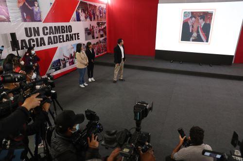 Keiko Fujimori brinda conferencia de prensa