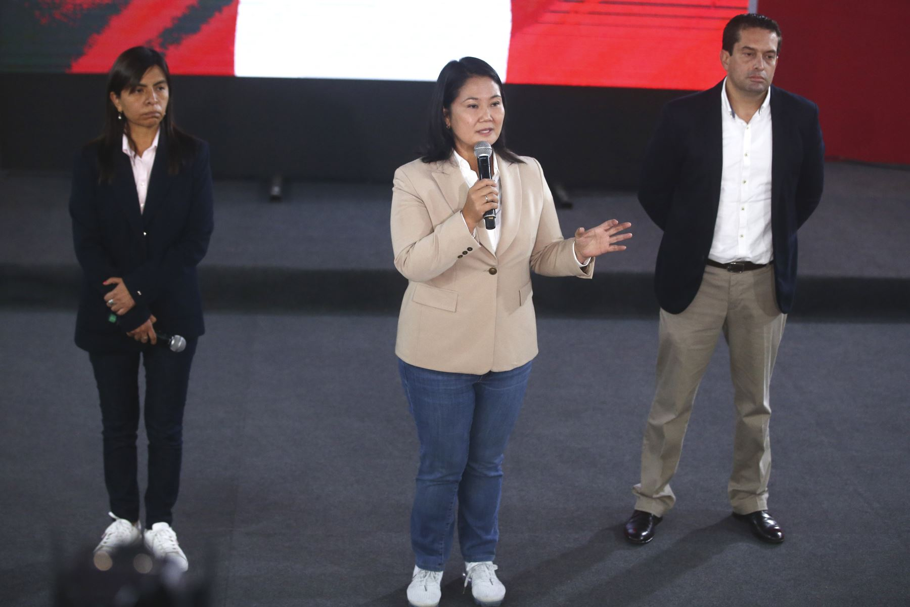 Conferencia de prensa de Keiko Fujimori junto a su abogada Giulliana Loza y Miki Torres. Foto: ANDINA/Vidal Tarqui