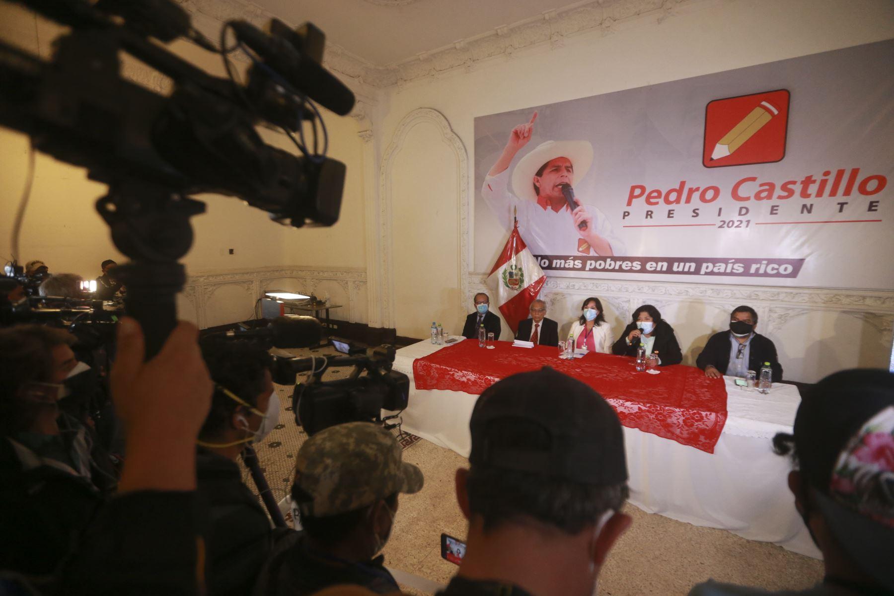 Perú Libre brinda conferencia de prensa. Participan Dina Boluarte, Ronald Gamarra, Julio Arbizu. Foto: ANDINA/Jhony Laurente