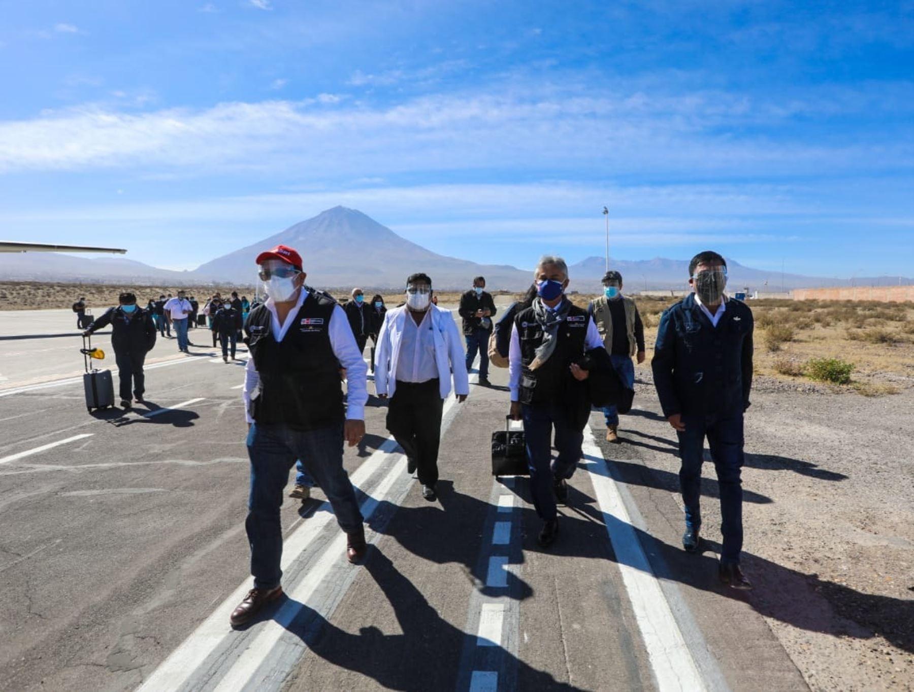 Ya se encuentra en Arequipa la brigada de salud del Minsa que reforzará la lucha contra la pandemia de covid-19 en esa región, afectada por un incremento de casos. ANDINA/Difusió