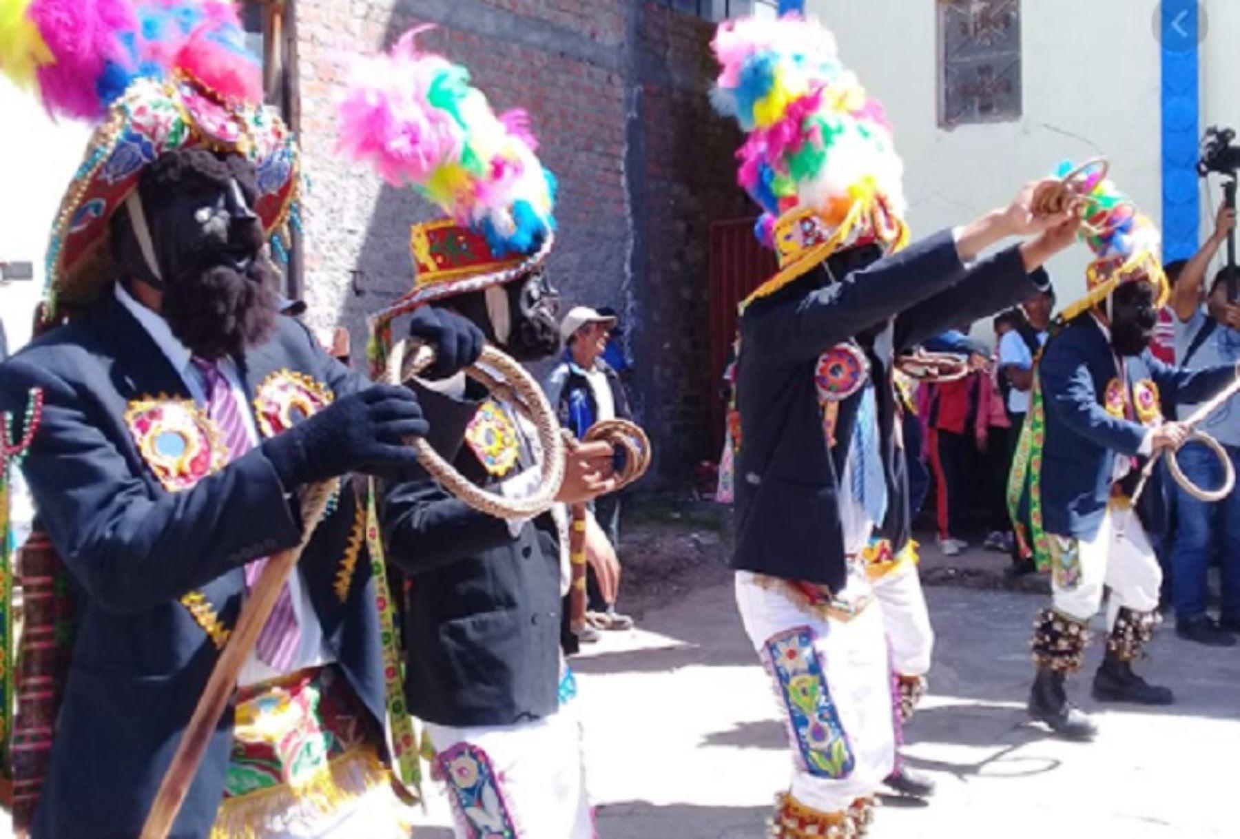 El Ministerio de Cultura declaró Patrimonio Cultural de la Nación a la danza Negritos del distrito de Marcas, provincia de Acobamba, departamento de Huancavelica, que se celebra en Navidad.