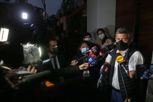 Luis Galarreta de Fuerza Popular declara ante la prensa