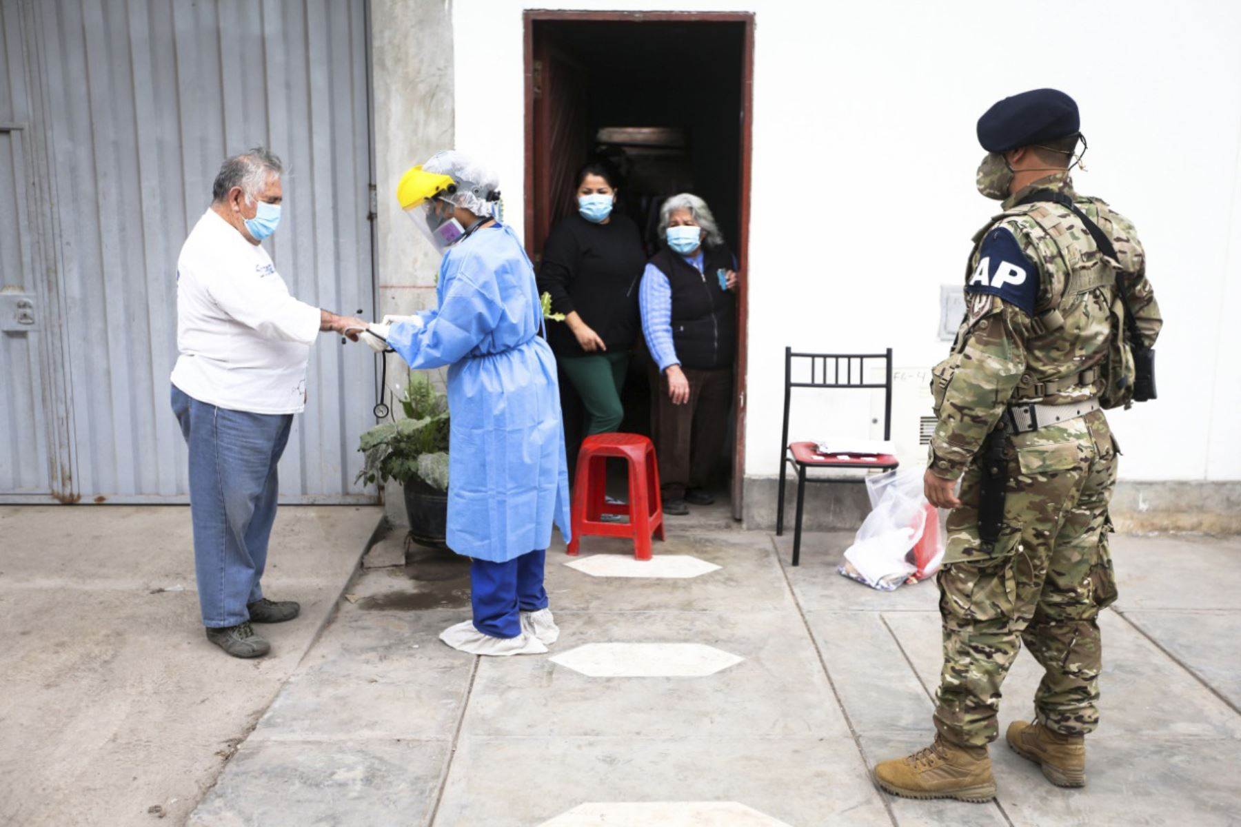 Fotografía tomada el 15 de setiembre del 2020 / Las fuerzas armadas y personal de salud impulsan el plan Tayta, programa que lucha contra el covid-19 en la región Lima. Foto: ANDINA/Jhonel Rodríguez Robles