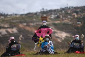 En la ceremonia por los doscientos años de la batalla de Higos Urco, el Estado peruano anunció el otorgamiento de la Orden Emérito a las Mujeres del Bicentenario a un grupo de peruanas que han destacado por su contribución en la gesta emancipadora y en la construcción de la república.