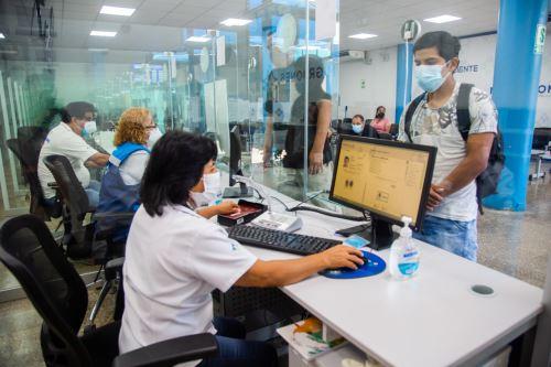 Migraciones emitirá pasaportes electrónicos las 24 horas en su sede central de Breña. Foto: ANDINA/Difusión.