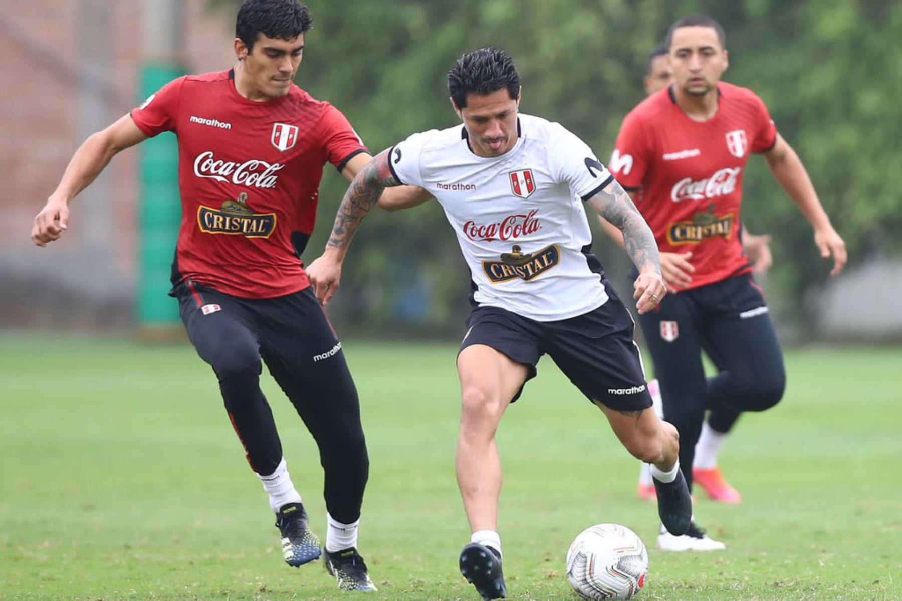 Entrenamiento de la Selección Peruana  junto a 26 futbolistas con miras a su debut en la Copa América 2021. En la foto Gianluca Lapadula Foto: @Selección Peruana