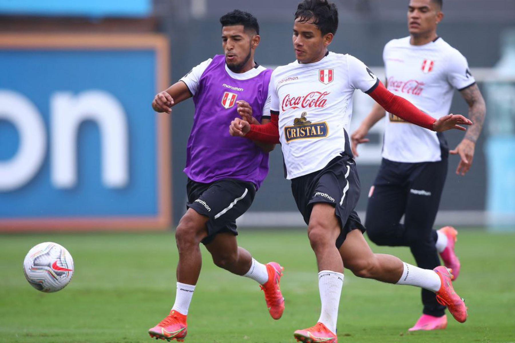 Entrenamiento de la Selección Peruana  junto a 26 futbolistas con miras a su debut en la Copa América 2021. Foto: @Selección Peruana