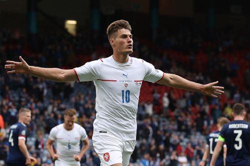 República Checa venció 2-0 a Escocia por el grupo D de la Eurocopa 2020