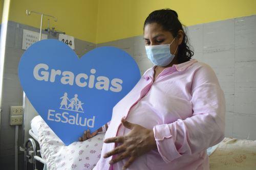 """EsSalud: novedoso """"Plan Radar"""" detectará embarazos de riesgo que beneficiará a 700 mil mujeres en edad reproductiva"""