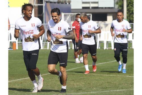 Selección Peruana realiza último entrenamiento en la Videna antes de viajar a Brasil