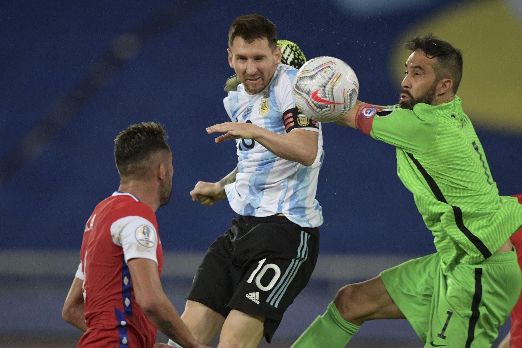Argentina y Chile llegaron a dos finales consecutivas en 2015 y 2016.  Foto: AFP