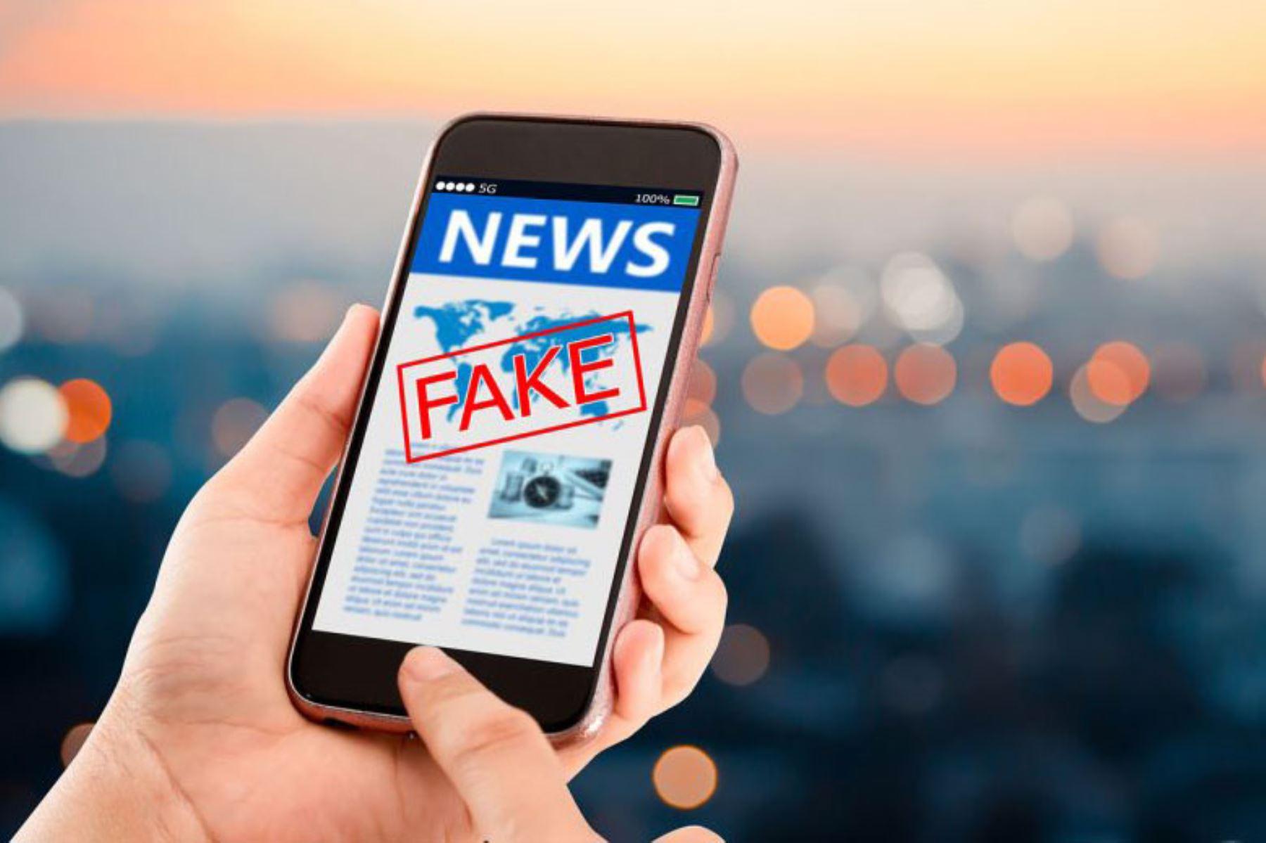 Las redes sociales permiten que los usuarios sean productores y consumidores a la vez, lo cual facilita la difusión y circulación de contenidos engañosos. ANDINA/ Internet