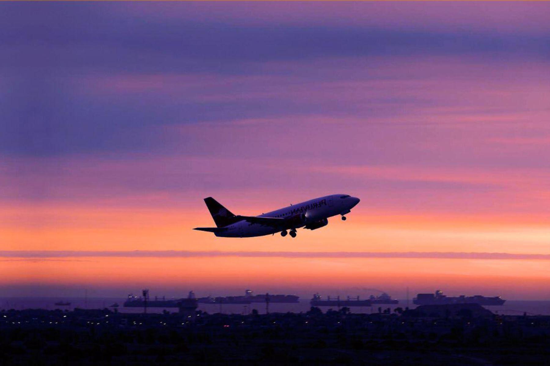 Prorrogan suspensión de vuelos desde Sudáfrica hasta el 31 de octubre