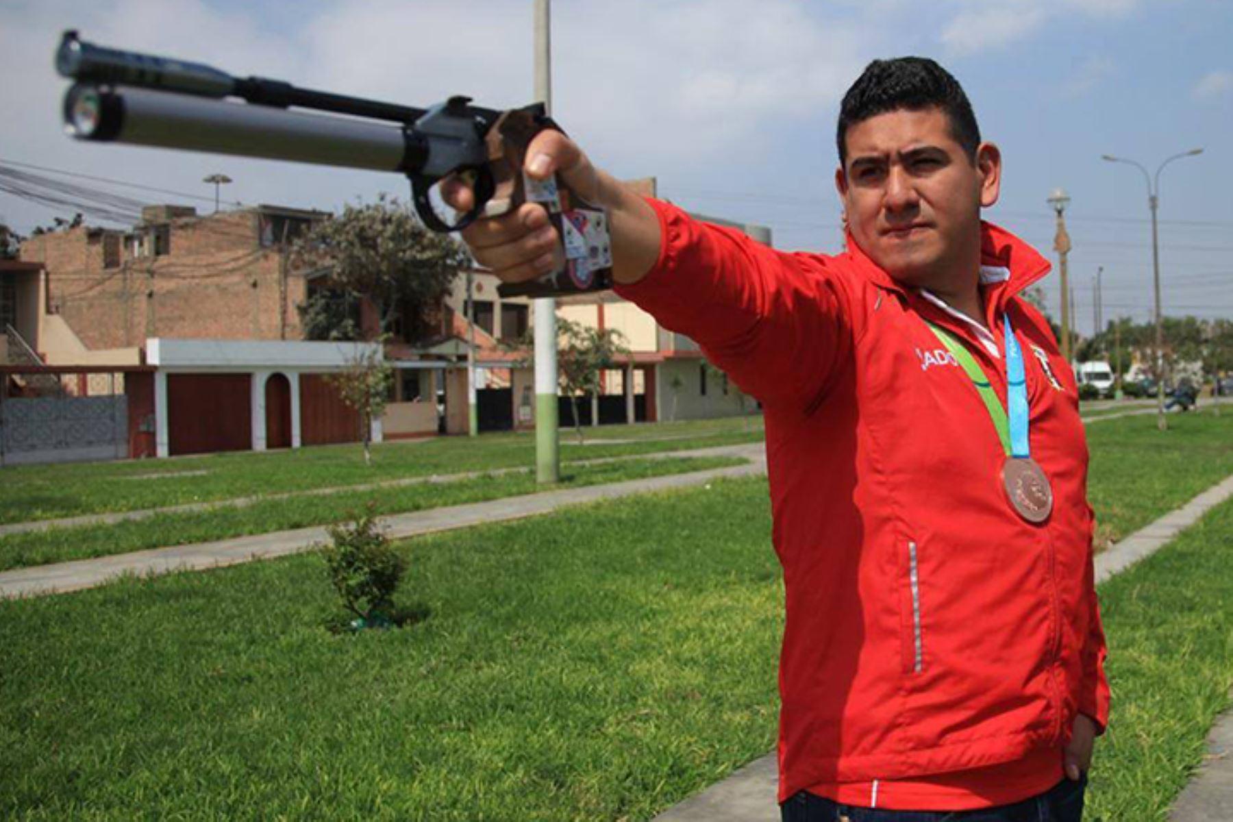 El deportista peruano Marko Carrillo cuenta con un cupo a los juegos olímpicos en la disciplina de tiro con pistola 25 metros. Foto: ANDINA/ Difusión