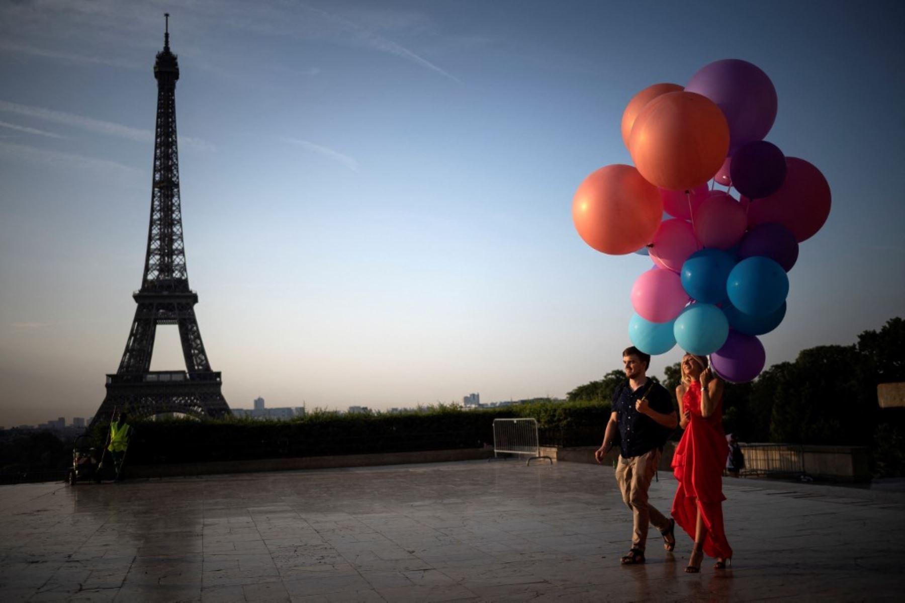Castex anunció además que 35 millones de franceses estarán totalmente vacunados a finales de agosto, es decir, algo más de la mitad de la población. Foto: AFP