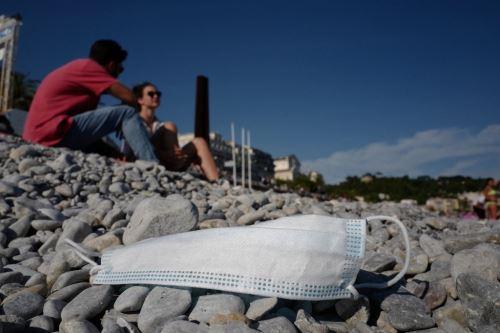 Covid-19: Francia pone fin al uso de mascarilla al aire libre este jueves y levanta el domingo toque de queda
