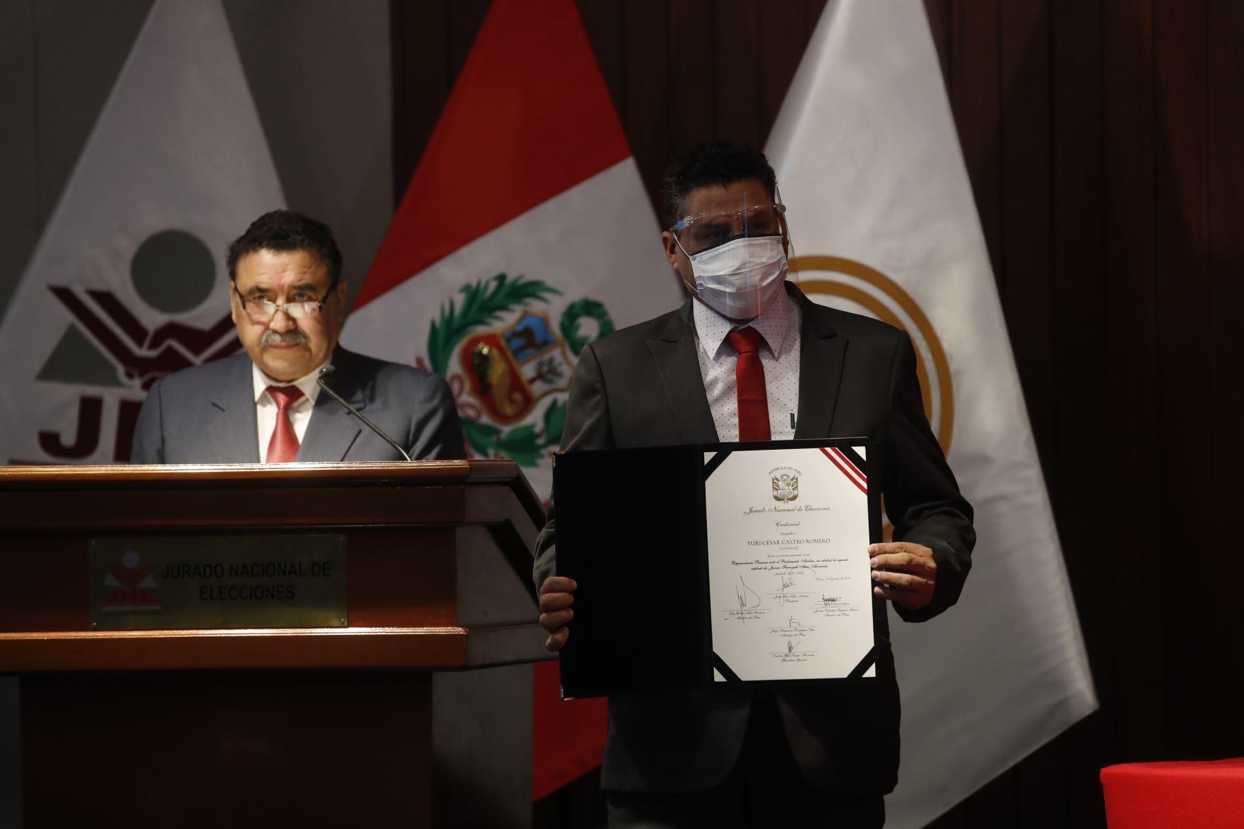 Yuri César Castro Romero representante de Perú Libre en ceremonia de entrega de credenciales a representantes del Parlamento Andino. Foto: ANDINA/Juan Carlos Guzmán