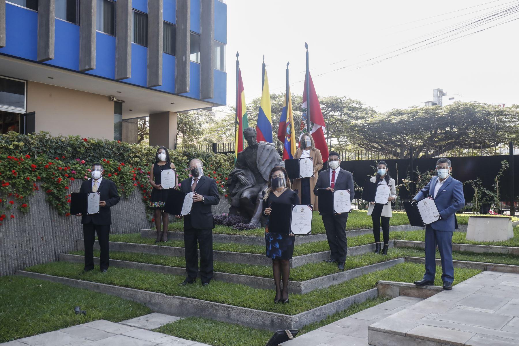 Parlamentarios andinos electos reciben sus credenciales. Foto: ANDINA/Juan Carlos Guzmán