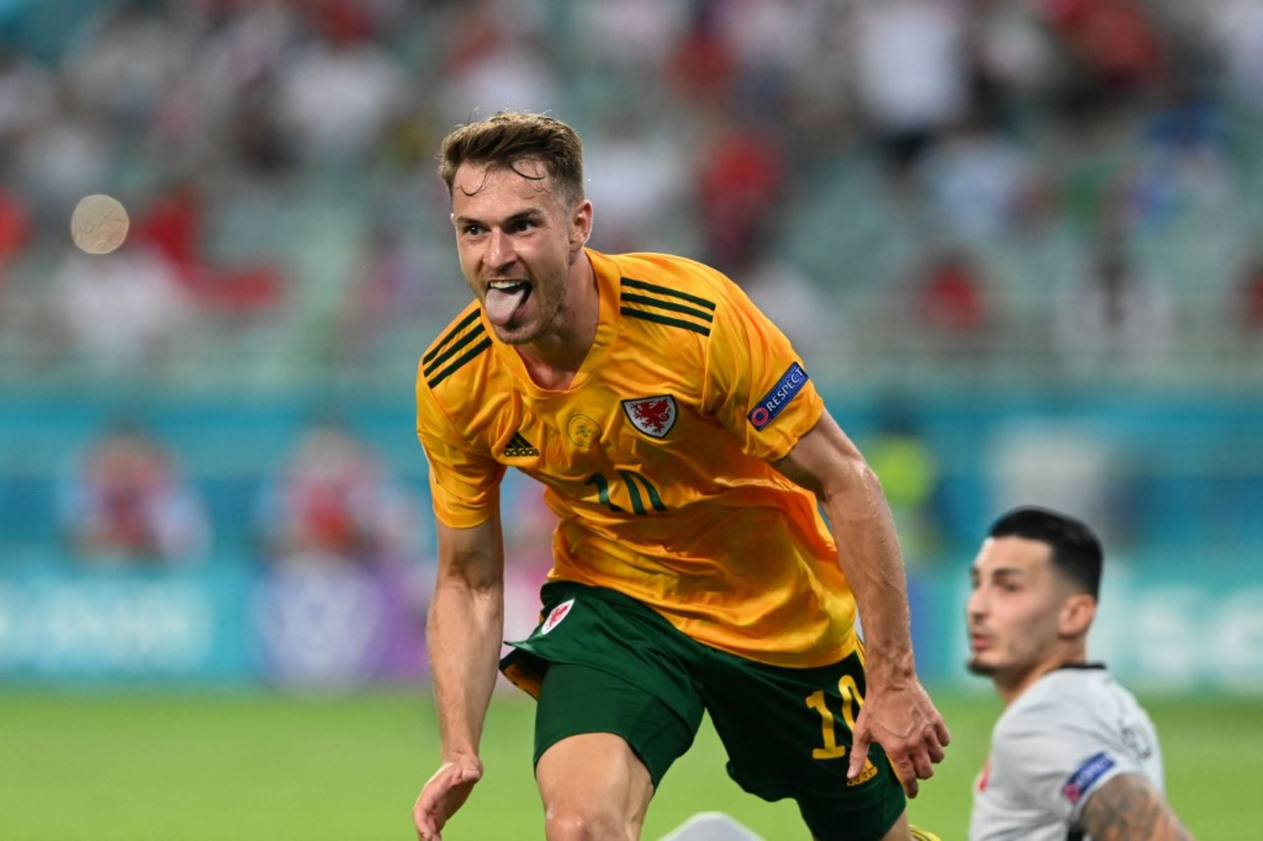 Aaron Ramsey anota el primer gol de Gales ante Turquía por la Eurocopa 2020