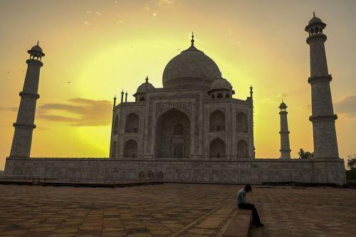 La India reabre el Taj Mahal tras dos meses de cierre por el coronavirus