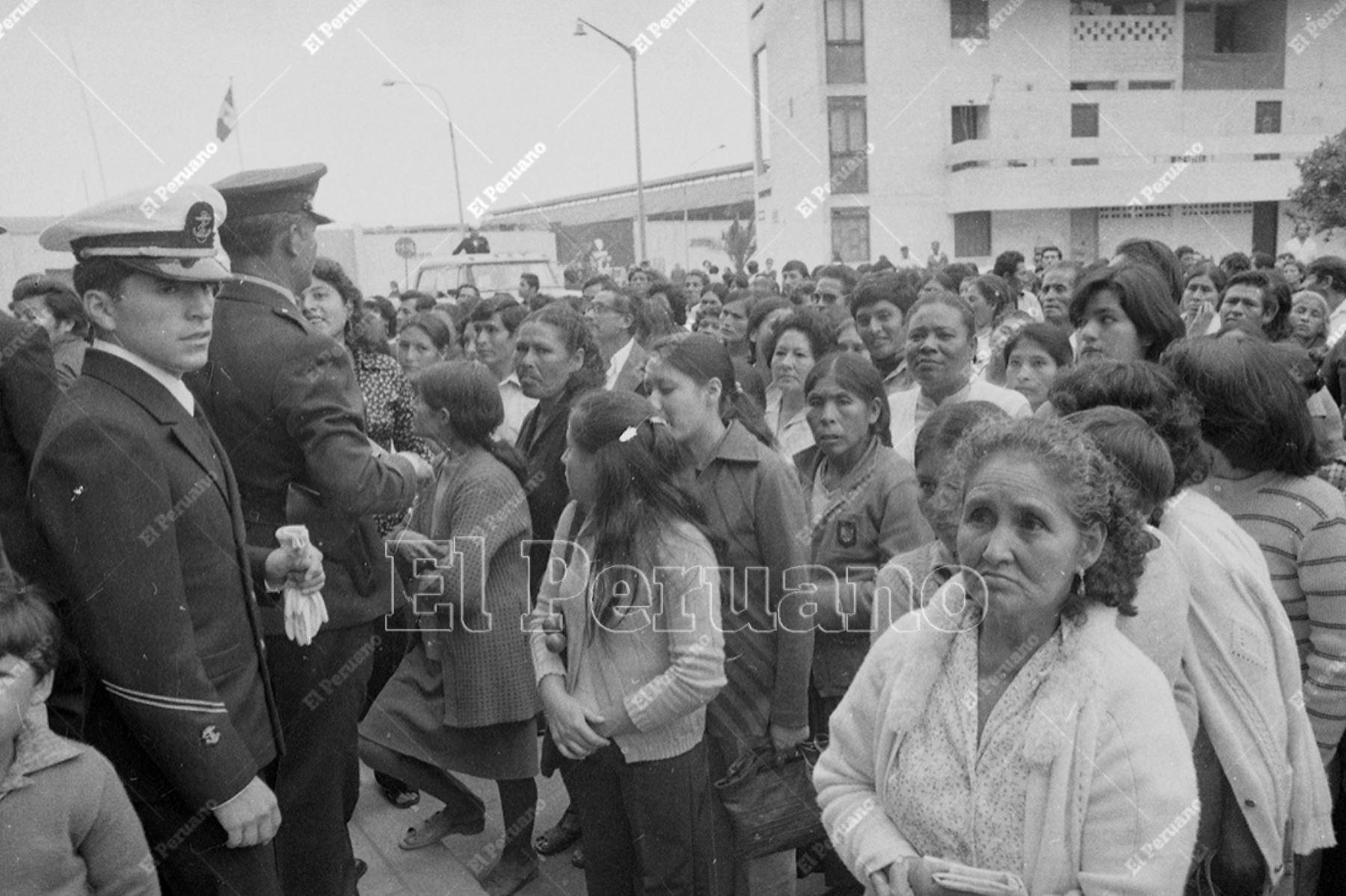 Lima - 18 mayo de 1980  /  Masiva fue la participación de las mujeres para elegir para elegir al nuevo presidente de la República y a los representantes para el Congreso. Foto: Archivo Histórico de El Peruano / Rómulo Lúján