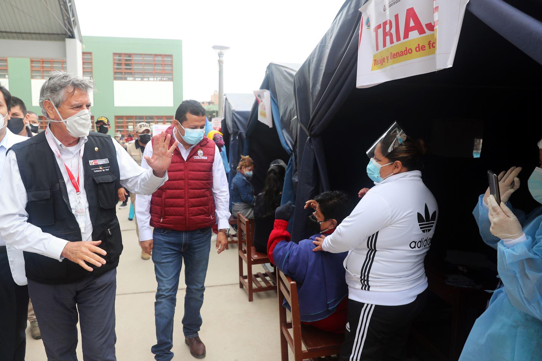 El presidente Francisco Sagasti, supervisa el trabajo del Plan Sipán frente a la covid-19 y la jornada de vacunación en Chiclayo. Foto: ANDINA/Prensa Presidencia