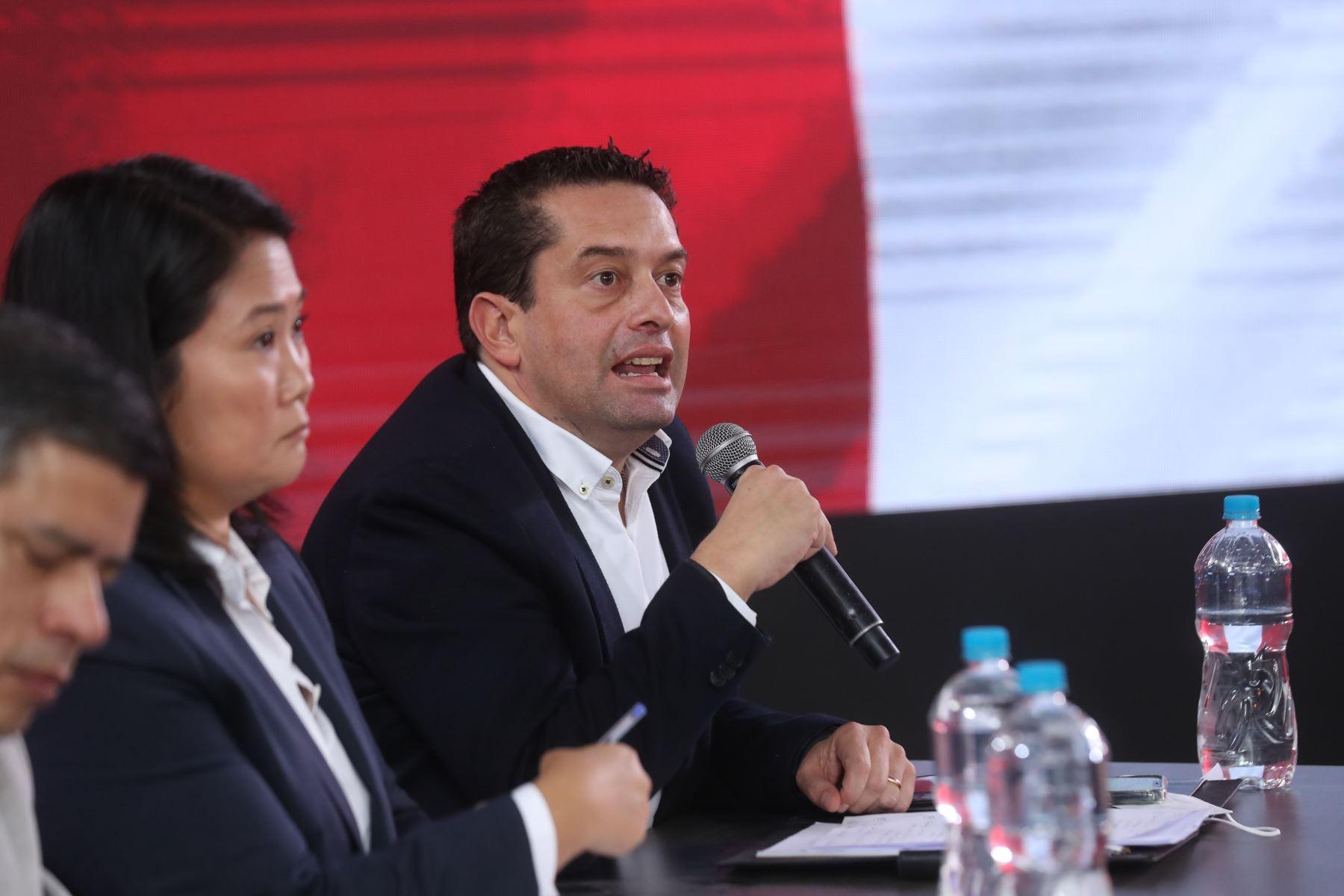 Vocero de FP, Miguel Torres, durante la conferencia de prensa de la candidata a la presidencia, Keiko Fujimori. Foto: ANDINA/Carla Patiño Ramírez