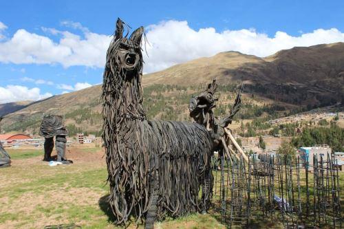 Conoce el ecoparque temático de Cusco que cuenta con alegorías hechas con neumáticos reciclados y que es sensación en redes sociales. ANDINA/Difusión