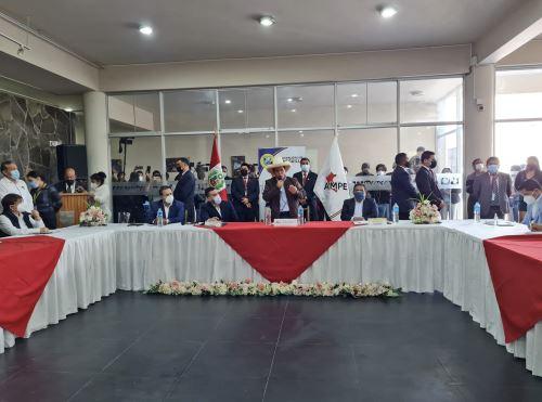 Pedro Castillo se reunió con alcaldes en Cieneguilla