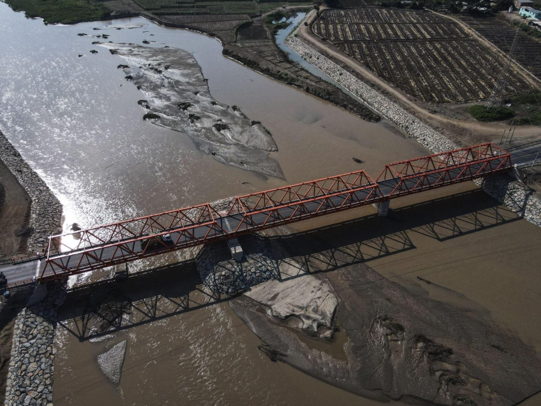 Lambayeque pone en marcha el puente Reque, que reemplaza a la infraestructura que sufrió daños a consecuencia del Fenómeno El Niño costero de 2017. ANDINA/Difusión