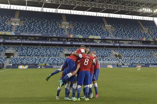 Chile vence 1-0 a Bolivia por el Grupo A de la Copa América
