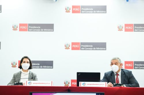 Ministros de Estado brindan conferencia de prensa