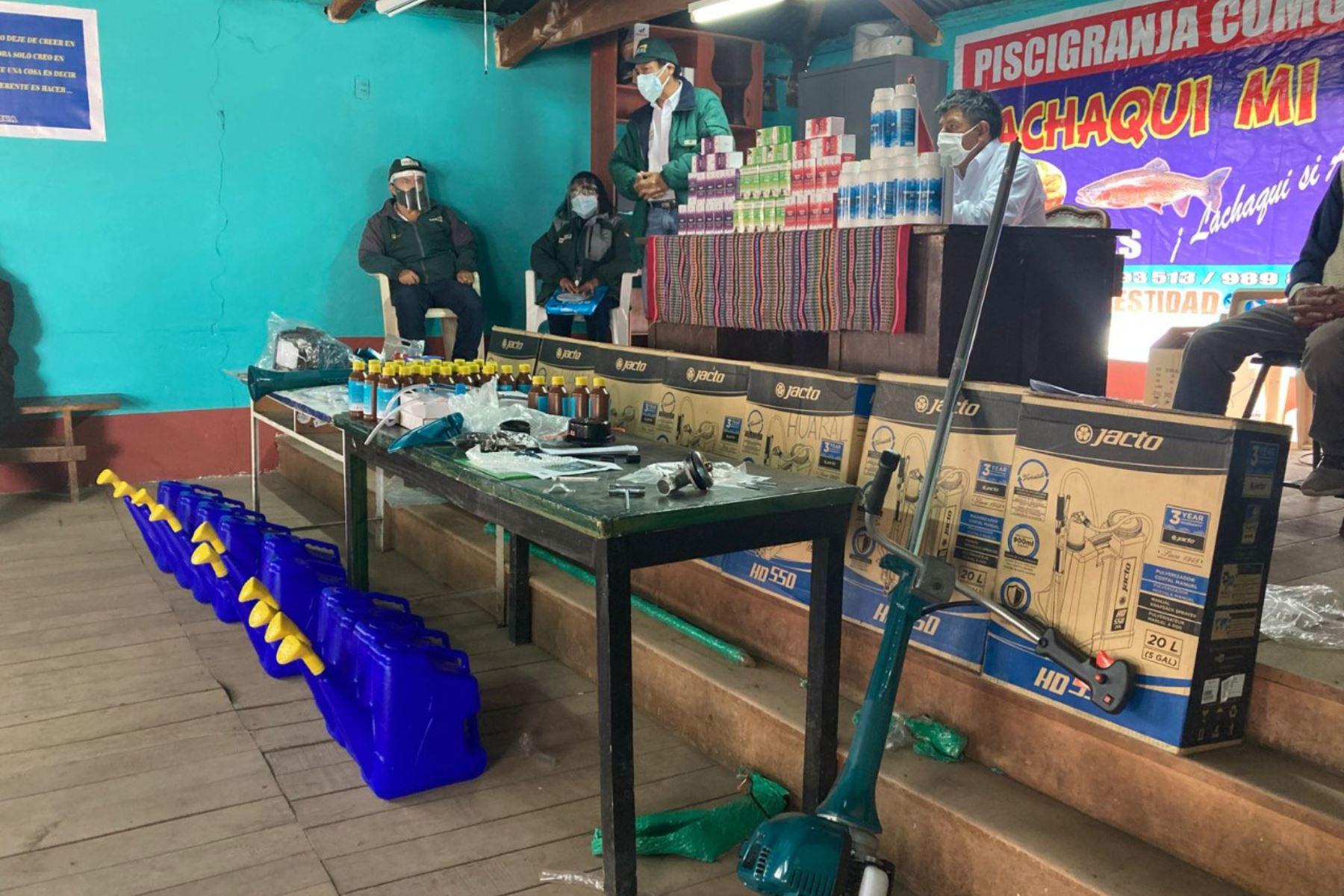Como parte de las acciones enmarcadas en el Plan Multisectorial ante Heladas y Friaje 2019-2021, a nivel de la región Lima se distribuyeron 670 kits veterinarios. Foto: Midagri