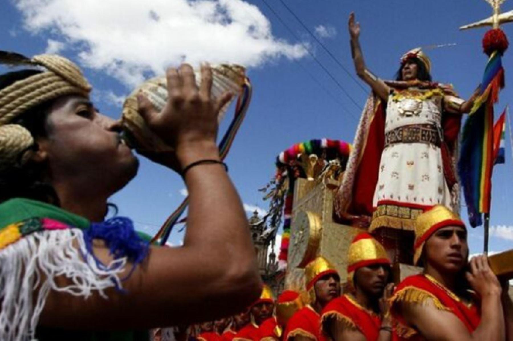 Después de un año de obligatoria suspensión debido a la pandemia del covid-19, la apoteósica celebración del Inti Raymi o Fiesta del Sol volverá a escenificarse como la más solemne festividad del mes jubilar del Cusco. Y revestirá un especial significado en el marco del Bicentenario de nuestra independencia. ANDINA/Difusión