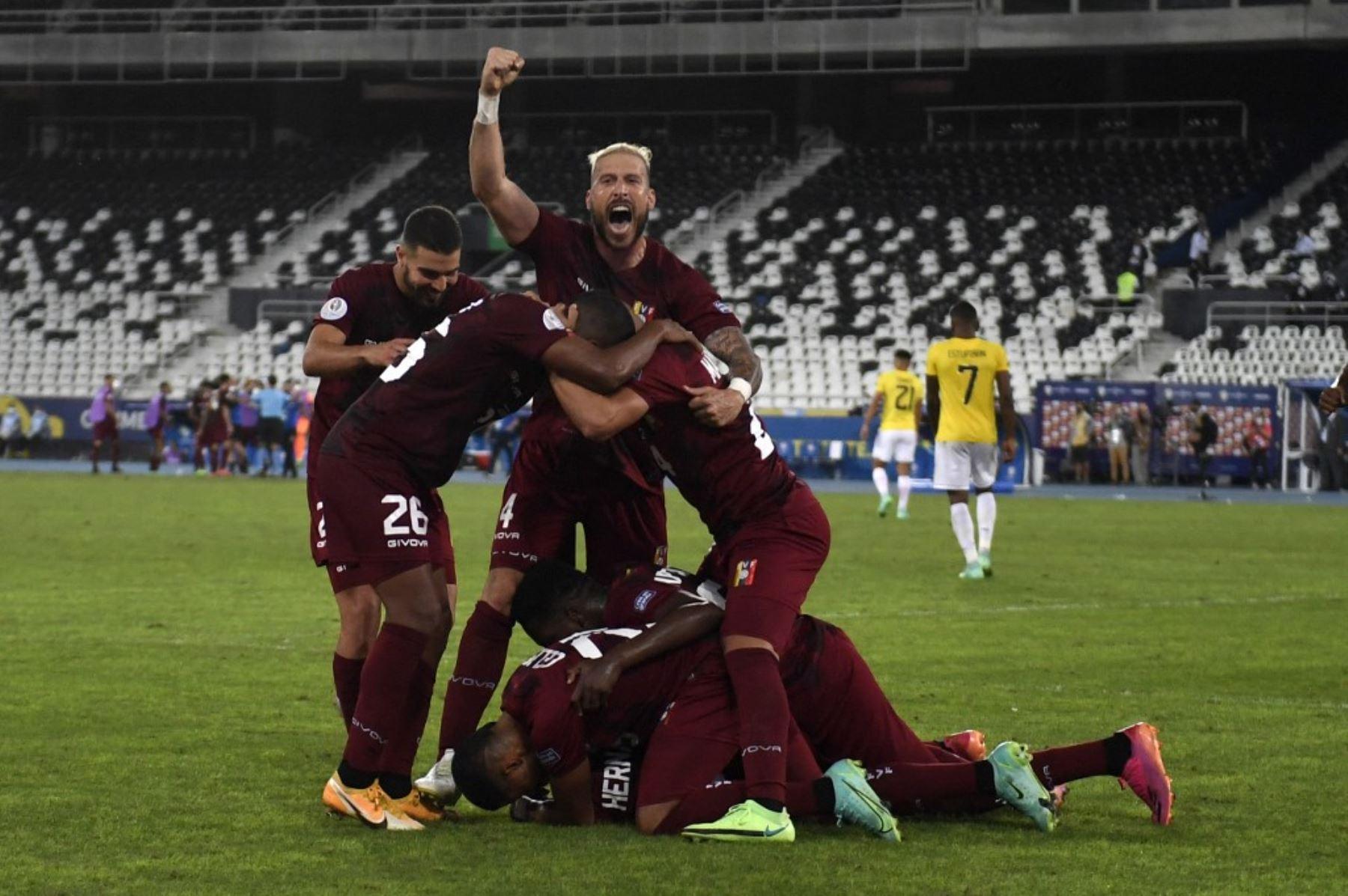 Venezuela mostró coraje para igualar a dos goles con Ecuador en los minutos finales