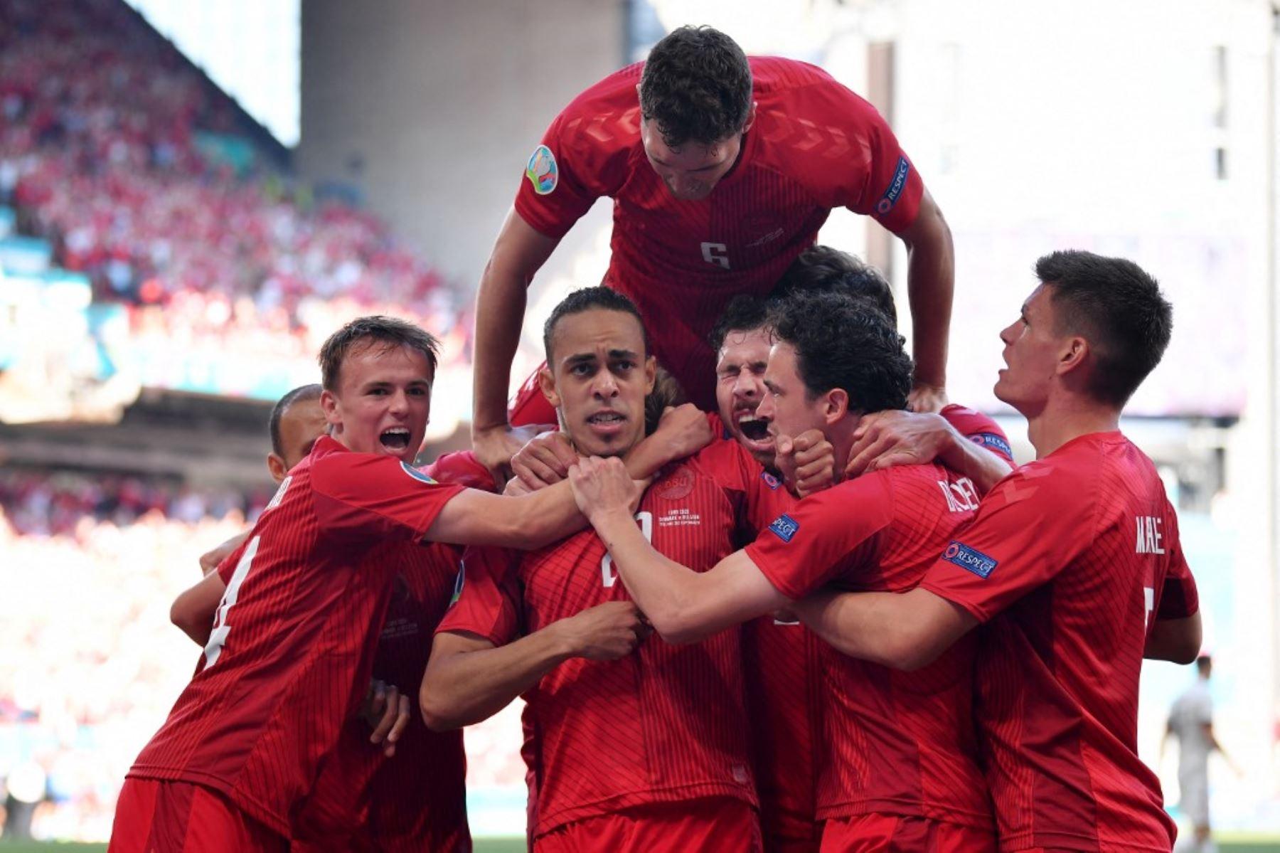 Dinamarca necesita del triunfo ante los rusos para pensar en la siguiente fase