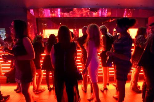 Francia reabrirá las discotecas el 9 de julio sin necesidad de mascarilla