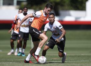 La selección peruana ya entrena pensando en Ecuador