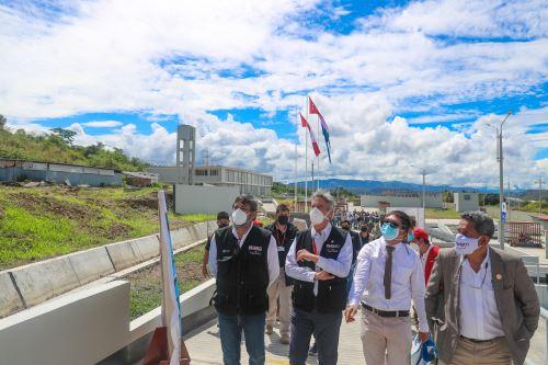 El presidente Francisco Sagasti supervisa el avance de la nueva ciudad universitaria en Cajamarca