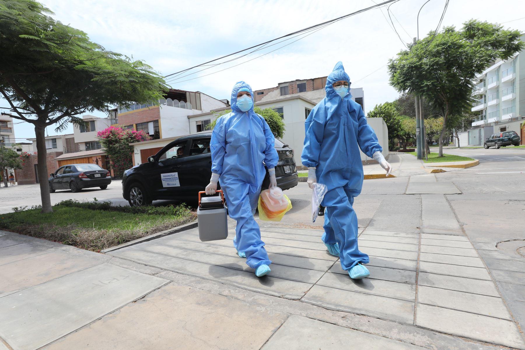 Covid-19: Vacunarán en casa a pacientes imposibilitados de desplazarse de Lima y Callao Foto: Essalud