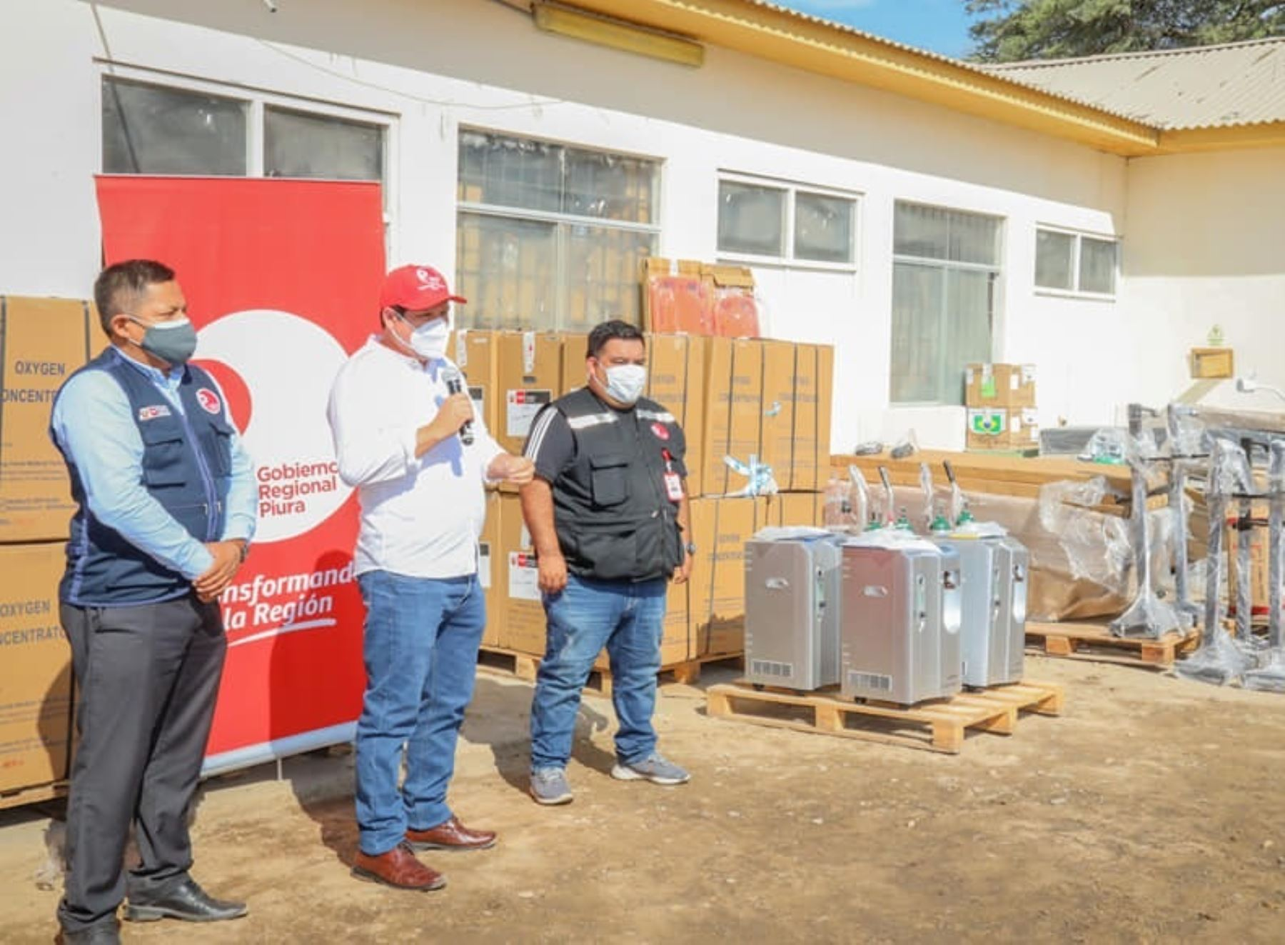 Piura recibe 380 concentradores de oxígeno para fortalecer lucha contra la covid-19. Los equipos fueron entregados por el Ministerio de Salud.