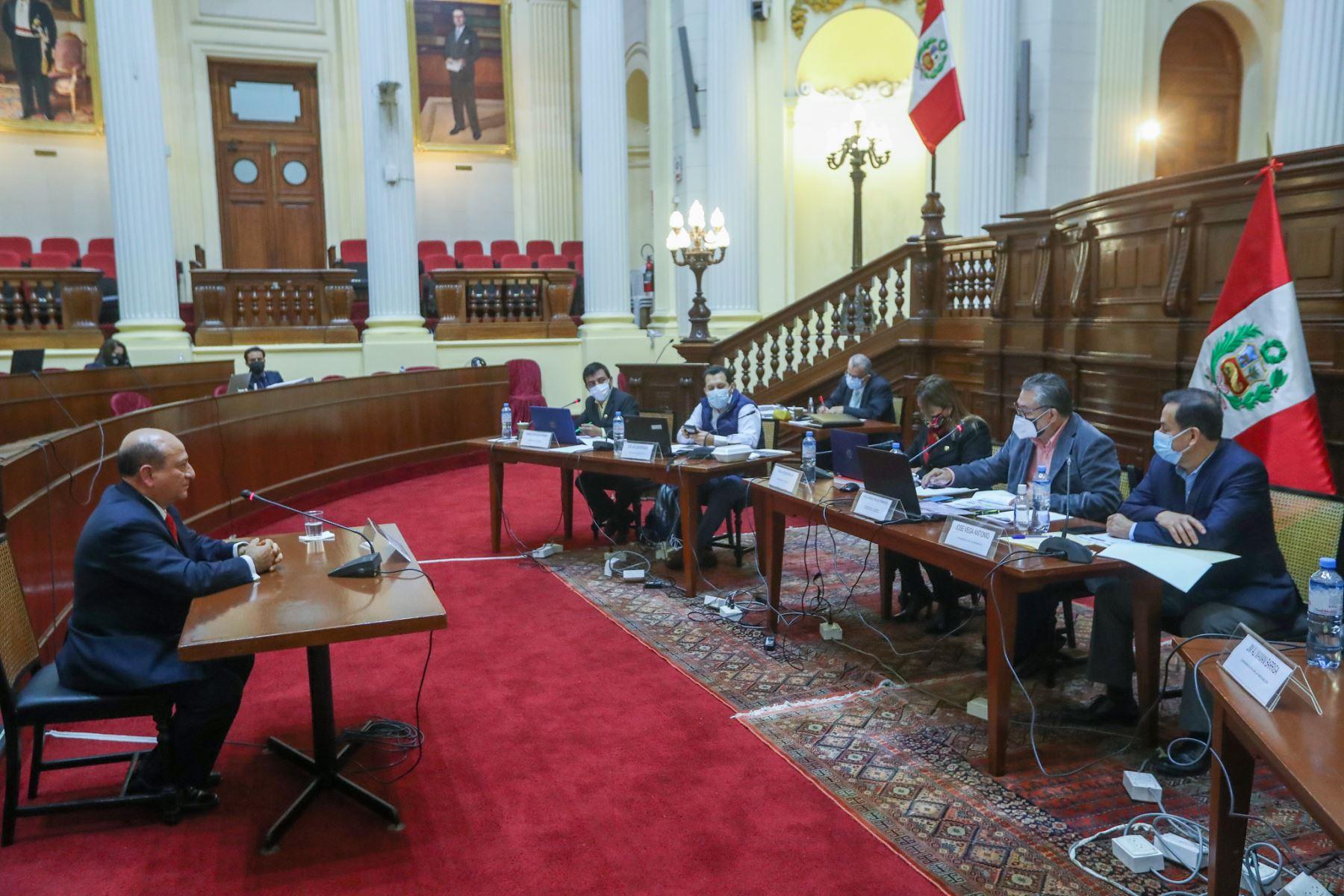 Comisión Especial de selección de candidatos aptos para la elección de magistrados de Tribunal Constitucional. Postulante Jorge Luis Rioja Vallejos. Foto: Congreso