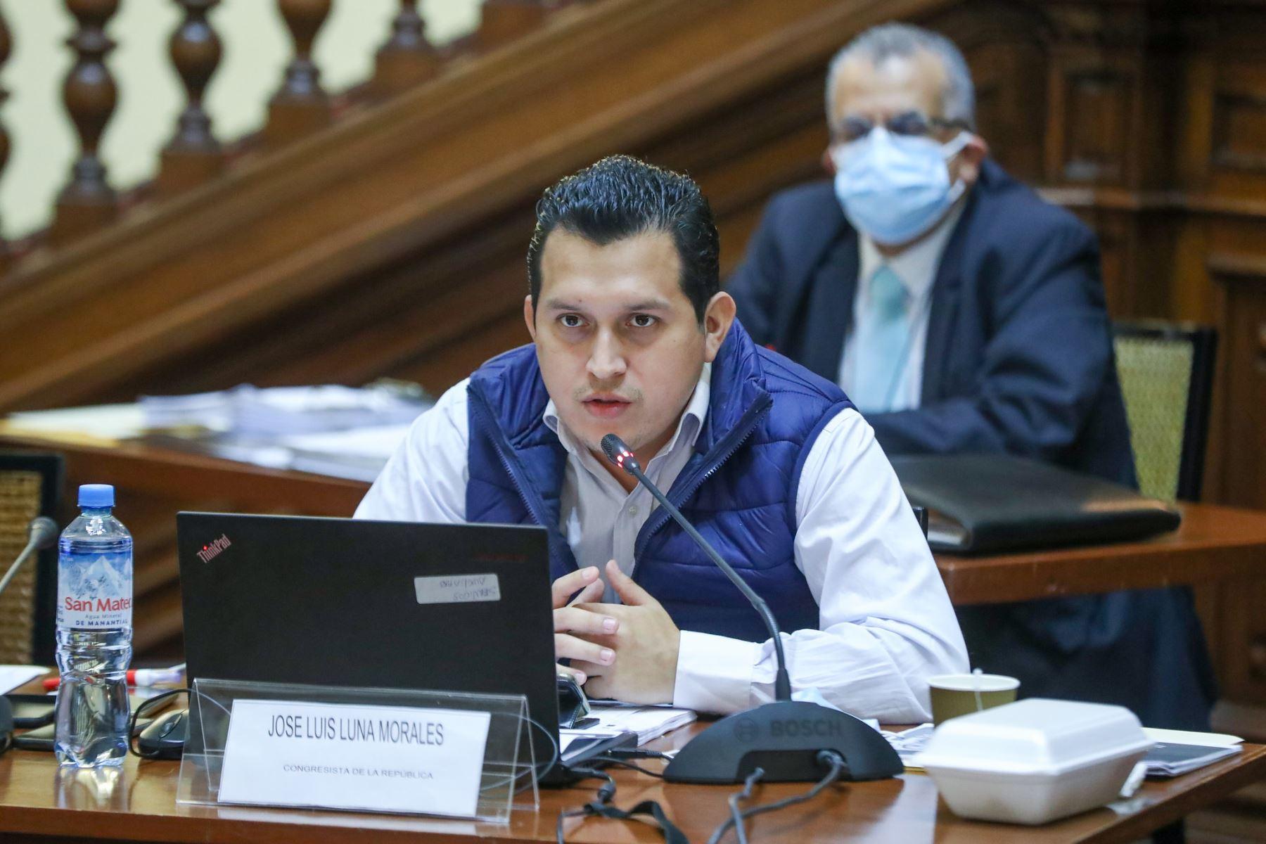 Comisión Especial de selección de candidatos aptos para la elección de magistrados de Tribunal Constitucional. Congresista Jose Luis Luna Morales. Foto: Congreso