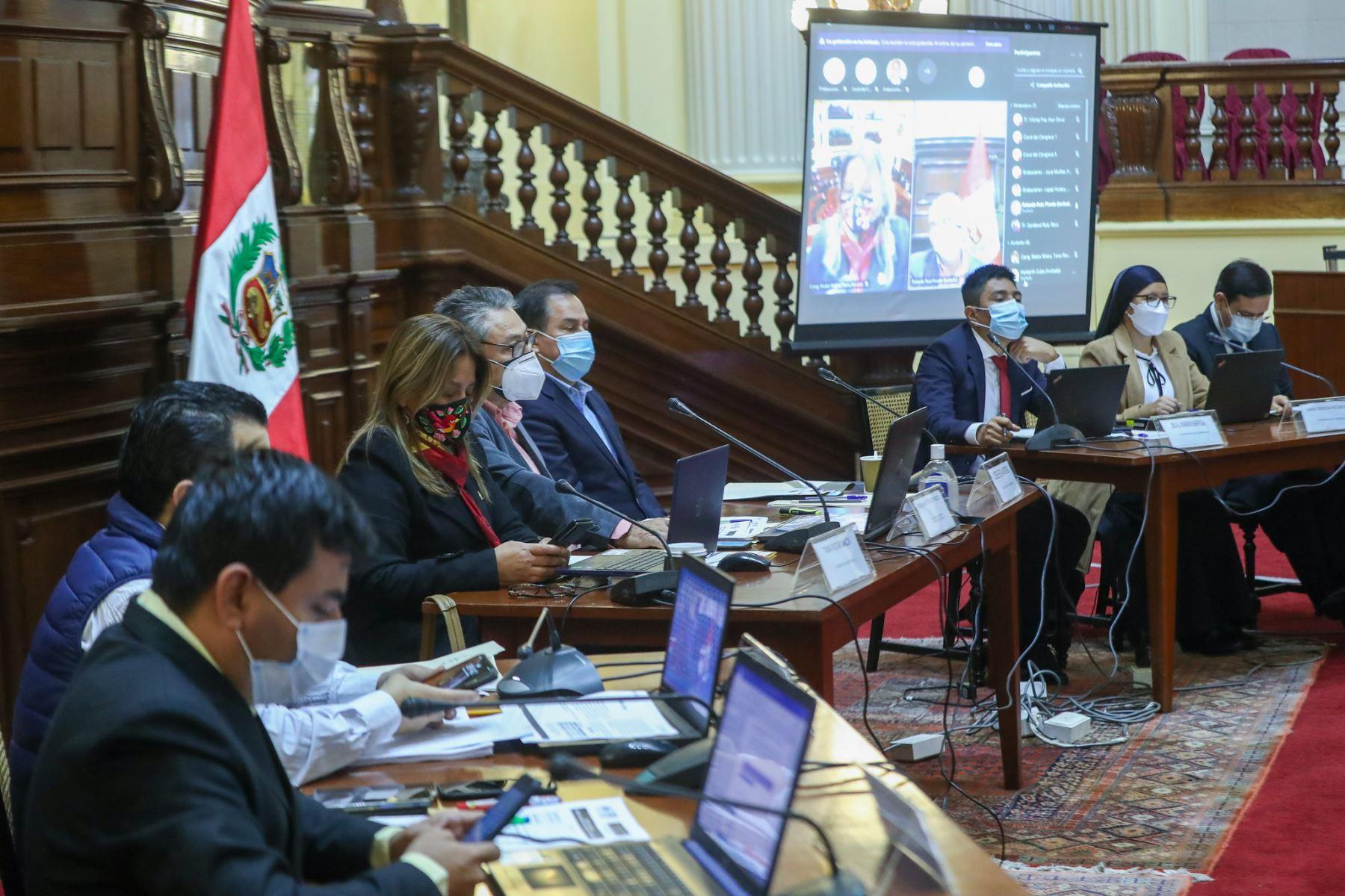 Comisión Especial de selección de candidatos aptos para la elección de magistrados de Tribunal Constitucional. Foto: Congreso