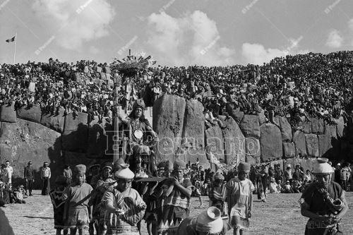 Imágenes históricas de la celebración del Inti Raymi en la fortaleza de Sacsayhuamán en Cusco (1975)