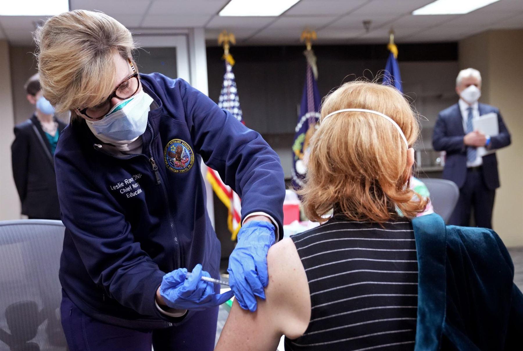 Pese a los esfuerzos, Estados Unidos no tendría a su población vacuna al 70% debido a la renuencia de muchos norteamericanos de inocularse.