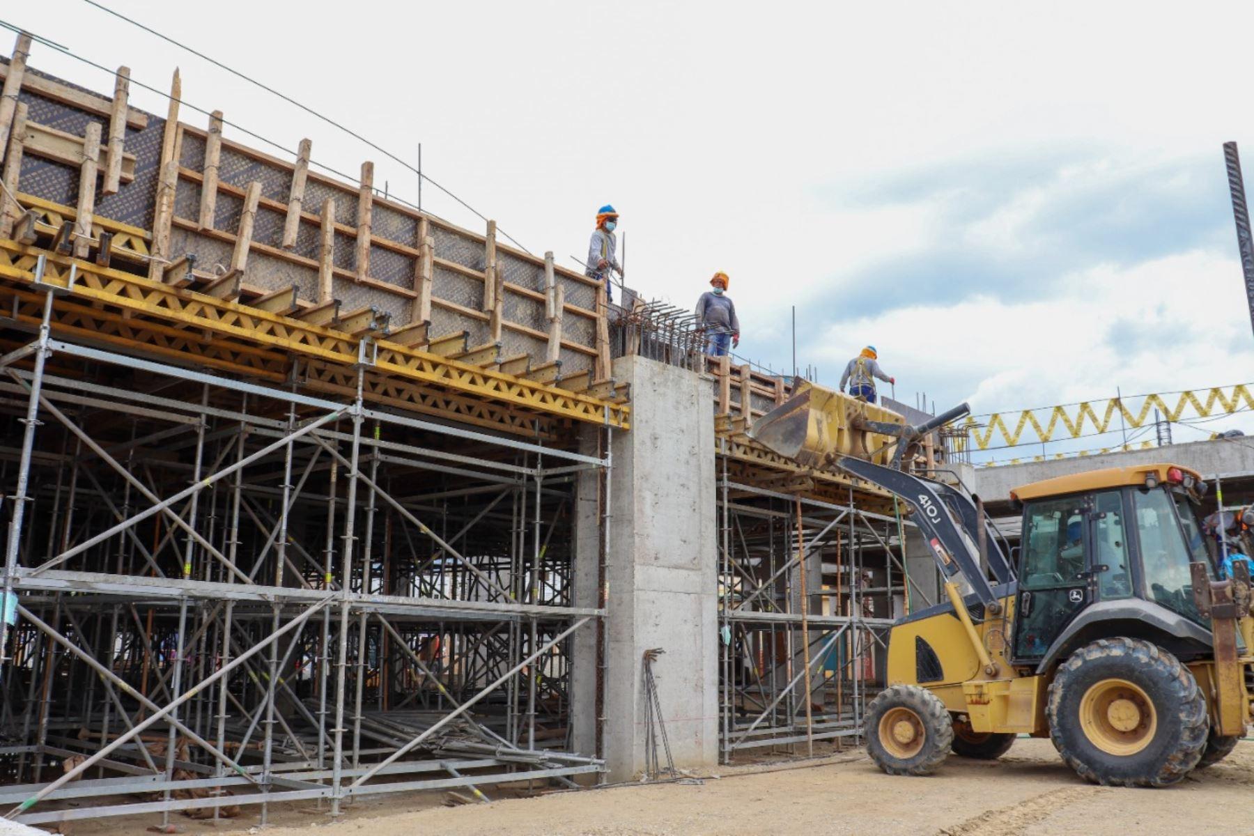 ARCC presenta sistema de gestión que acelera reconstrucción de infraestructura en regiones