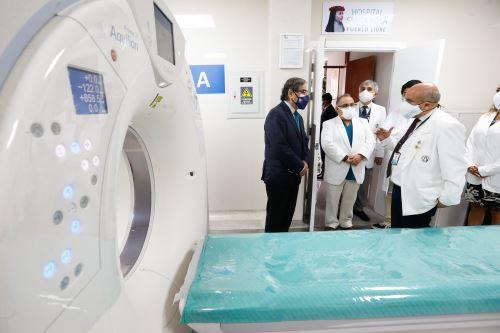 Ministro de salud, visitó el Centro Obstétrico del Hospital Santa Rosa